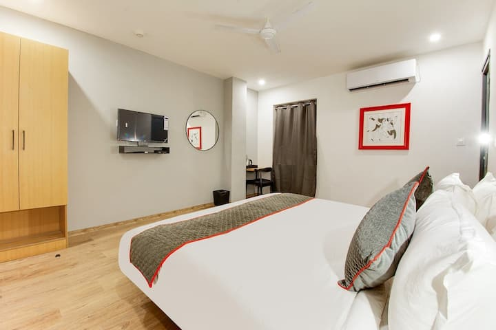 Premium & Pocket Friendly Stay's Near Benz Circle