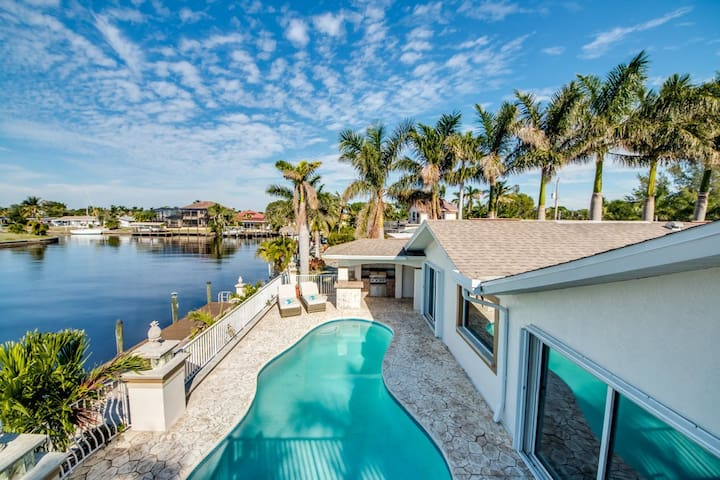 Villa Flamingo, pool, on water, perfect for boater