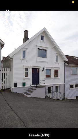 Very cosy and charm House,  is central located.