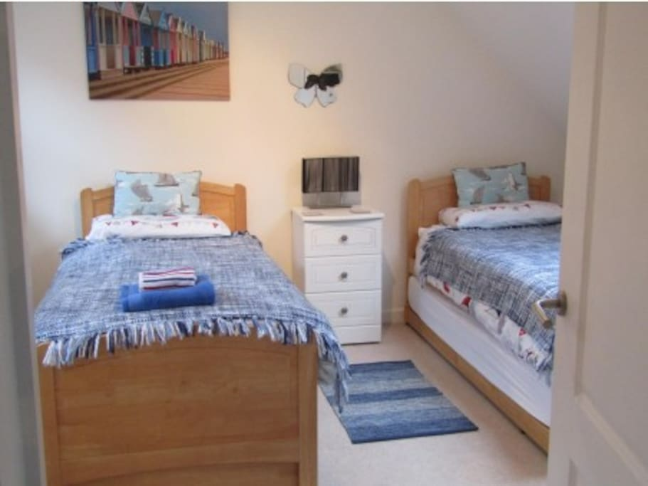 Twin bedroom with optional pull-out trundle beds to sleep 2-4 people