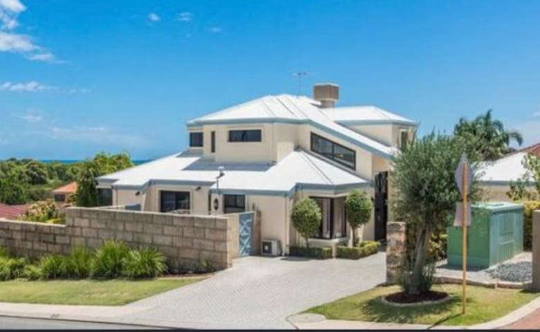 Coogee Beach Ocean View Luxury