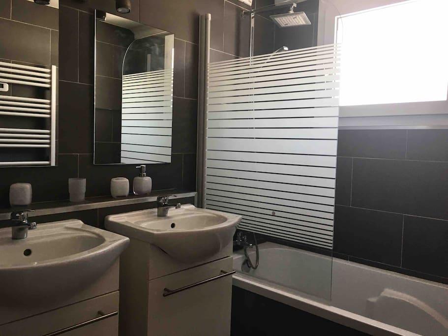 Salle de bain double vasques