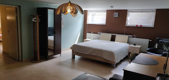 Two cozy rooms right outside city-centre