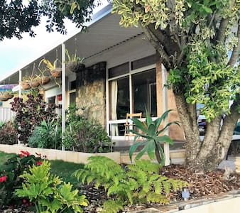 Garden Cottage close to beach - Shoalwater - Casa