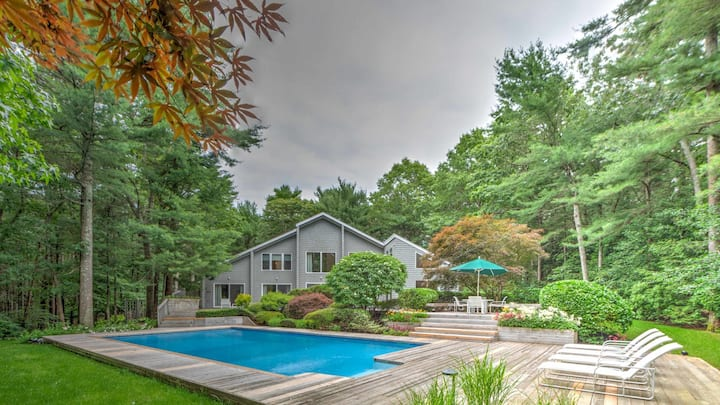 New Listing: Modern Sunlit Turnkey, Expansive Living Room, Multi-Level Cedar Decks with Barbecue