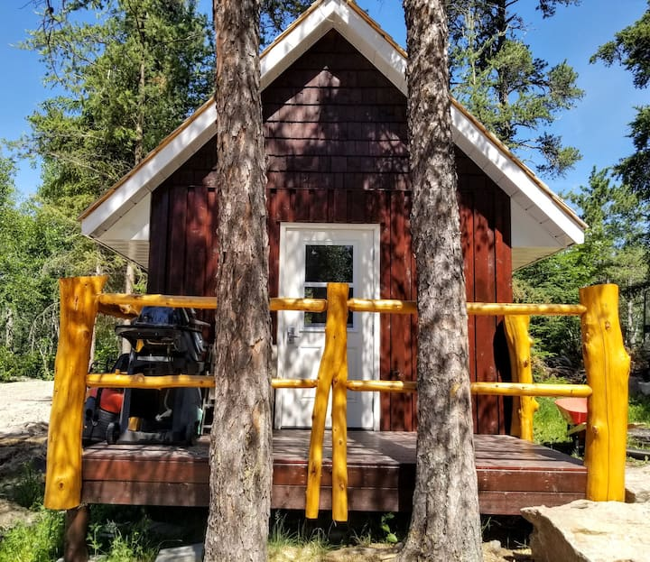 Glamping bunkie site 3 on small urban farm-Kenora