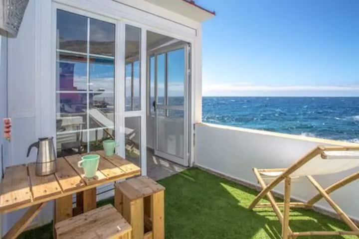Preciosa casa a nivel del mar