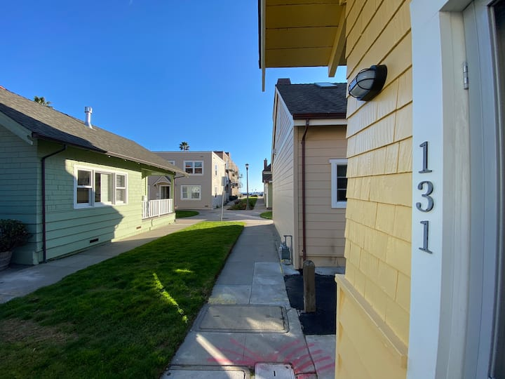 The Capitola Cottage - Your Dream Beach Getaway!