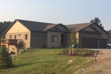 Comfortable home near Sturgis, SD - Whitewood - Haus