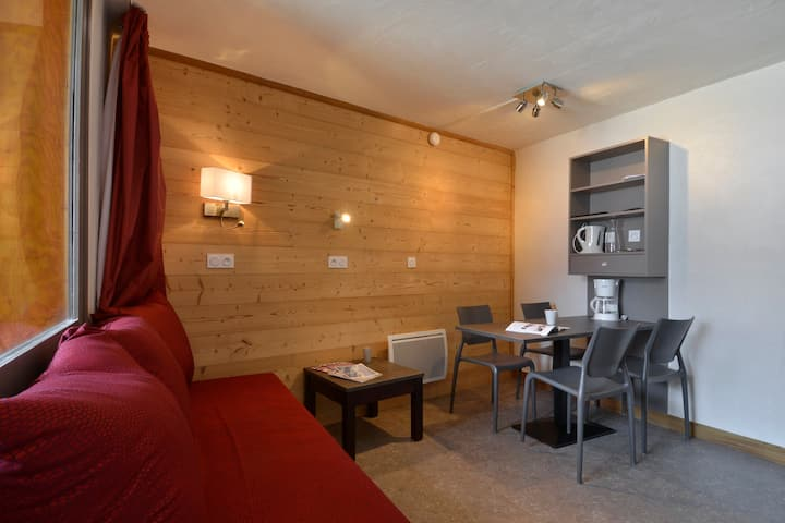 Refurnished studio for 3/4 people of 26m² in the resort center