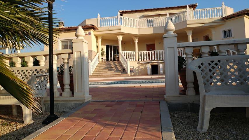 Villa del Rio