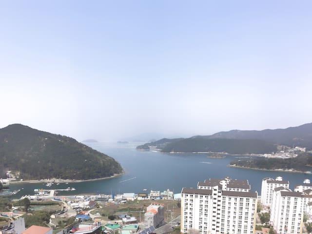 통영 바다가보이는 미수동 아파트 전체 방2 화장실 1 - Tongyeong-si - Lägenhet