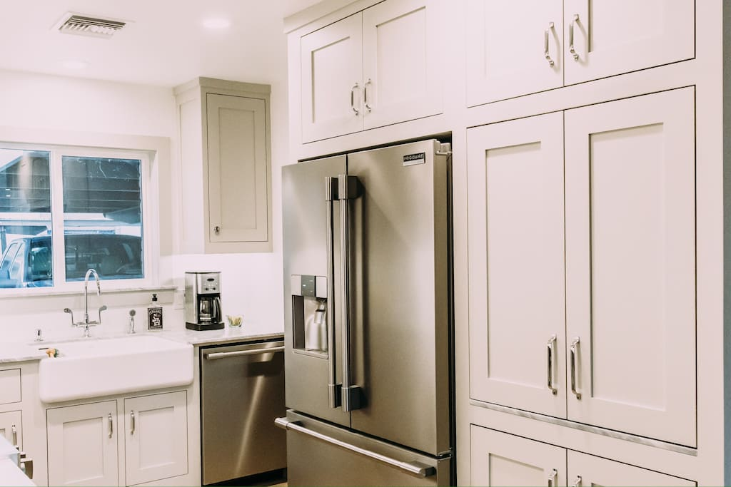 Professional top of the line Frigidaire appliances