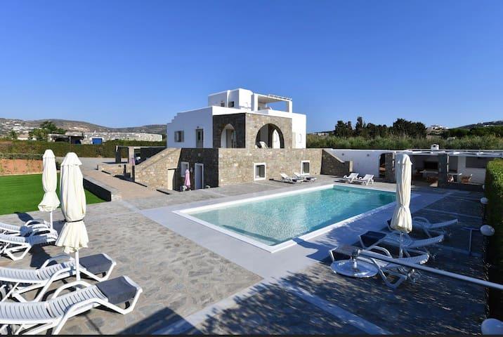 """Villa Aigeas"" A amazing place next to the Aegean."