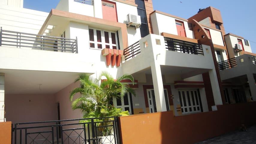Jalsa Bungalow No:20 Big Surat City - IN - Bangalô