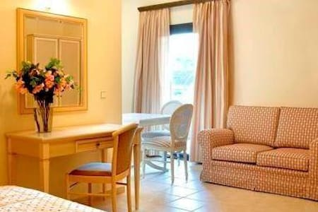 Suites and the City Argostoli - Argostolion - Apartment