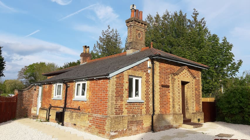 Beautiful cottage in the heart of Brockenhurst