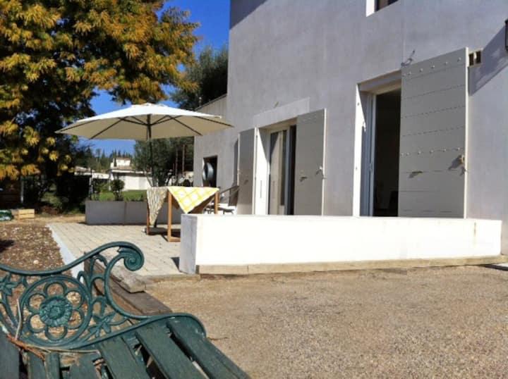 Maison calme, vue dégagée, grande terrasse