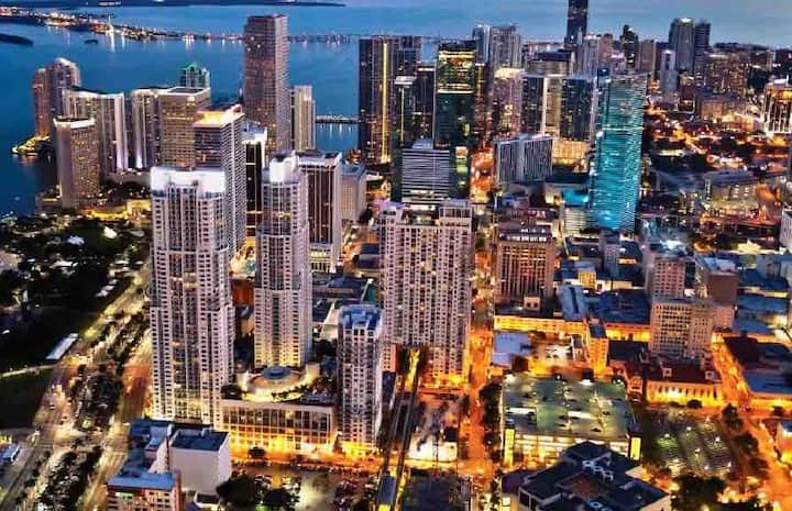 LUXURY APARTMENT IN DOWNTOWN Miami + FREE PARKING