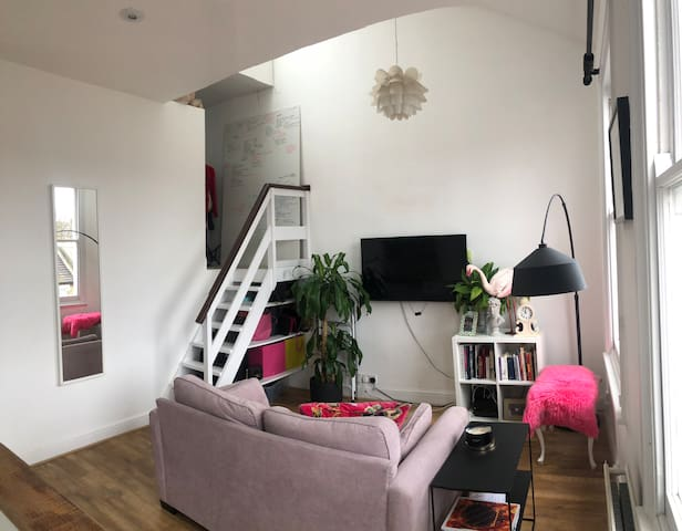 Kitsch split level one bed flat near Finsbury Park