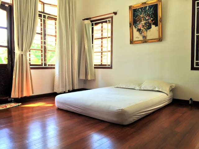 Ideal location FANTASTIC price - Ho Chi Minh City - Villa