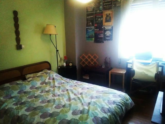 Comfortable room near Port - Piraeus - Apartment
