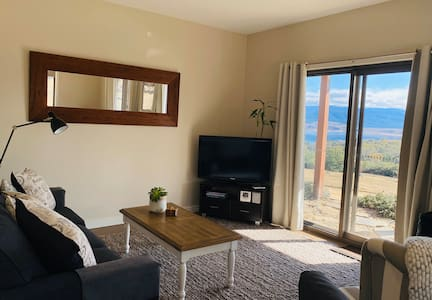 Alpine Nook - Rural stay with Incredible Views