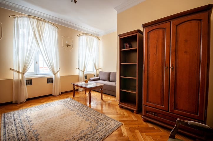 Gdansk stylish apartment in city heart