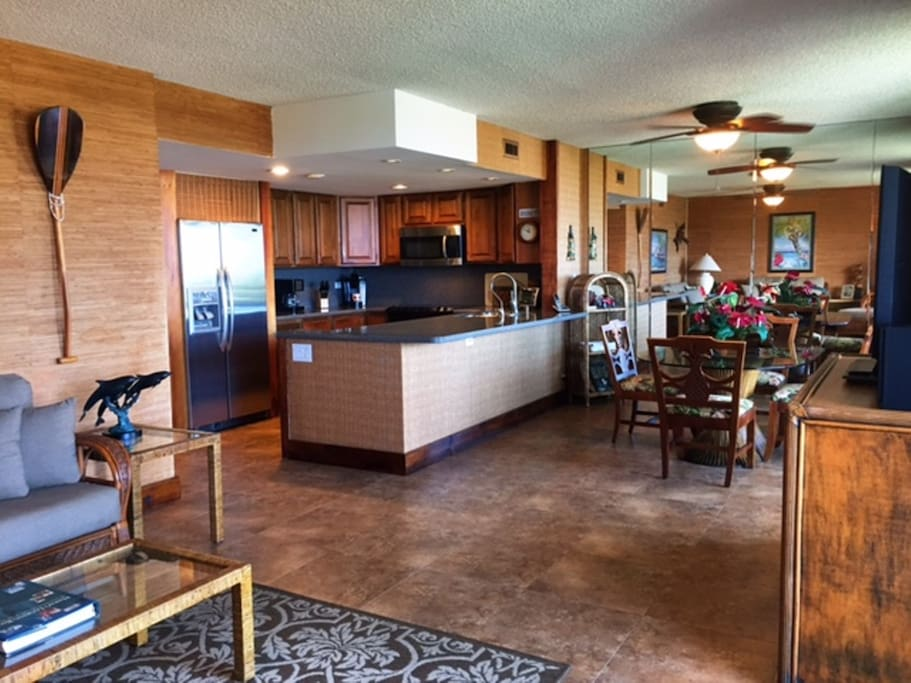 Comfortable, open Kitchen, Living Room, Dining