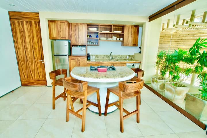 KauKan - Luxury 2 Br Condo with Breathtaking View of La Madera Beach