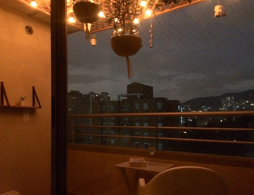 Balcony and Medellín view!