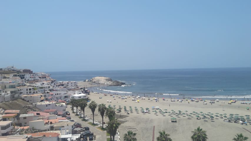 Los Girasoles, Playa Puerto Fiel - PE - Flat