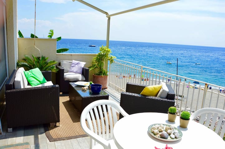 Peonia house - House on the beach near Taormina - Sant'Alessio Siculo - Leilighet