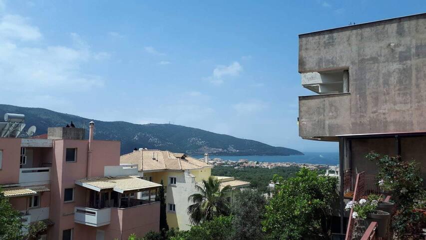 Ισόγειο παραθαλάσσιο διαμέρισμα με θέα στη θάλασσα