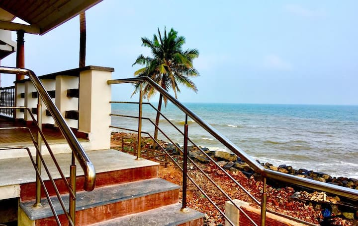 Seaview Sunrise Jr suite  room  at Pondicherry