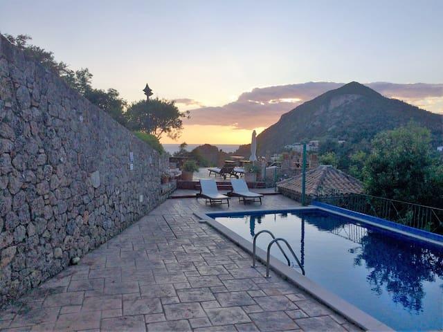 Ermones Amber Villa - Relax & Enjoy