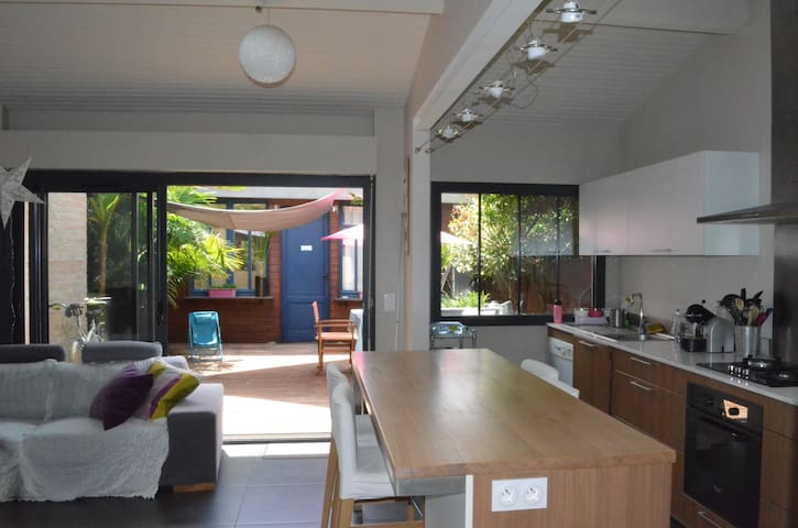 Echoppe bordelaise avec terrasse - Bordeaux - Rumah