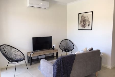 Apartment near CBD, Hospitals w/ Netflix