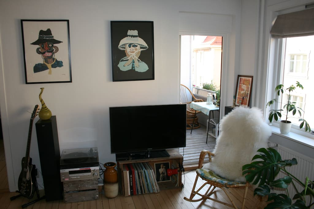 Sound system/TV/records, and  your own private balcony