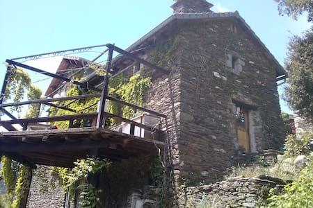 la tourette - House