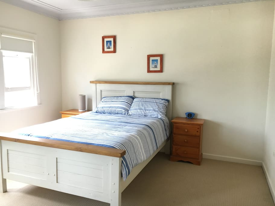 B/room 1 with Queen bed and wardrobe