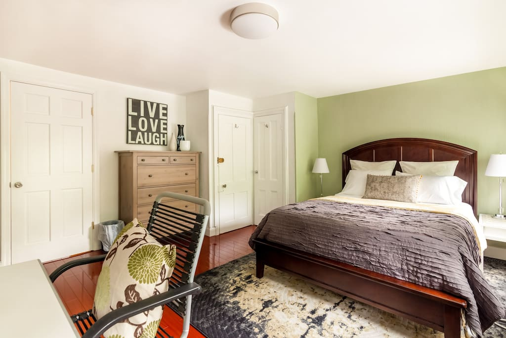 """Evelyn's place is exactly as advertised: great location, great layout and nicely furnished."" by Aman"