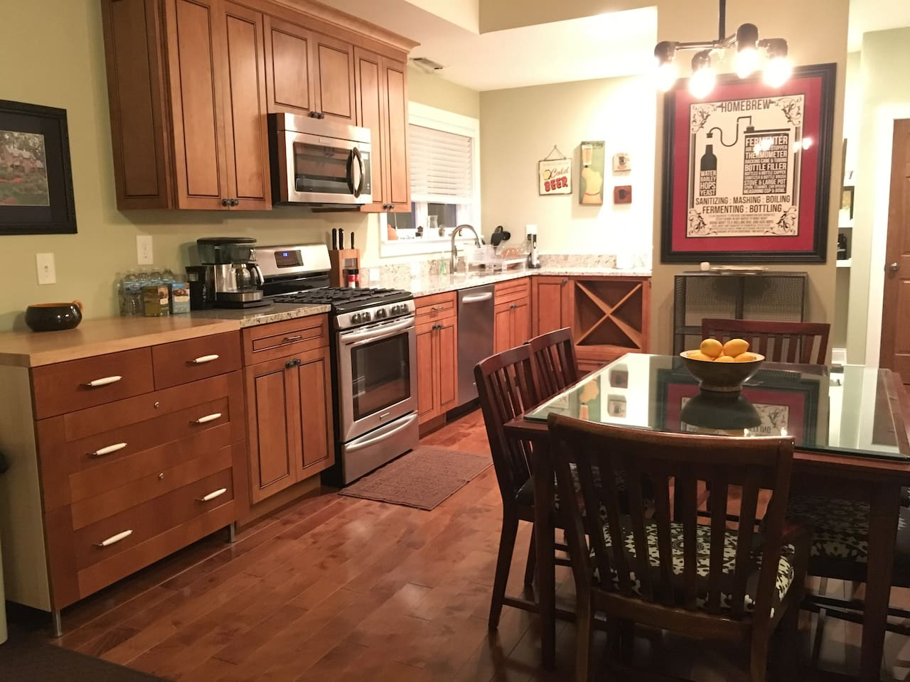 Open plan kitchen, dining and lounge room
