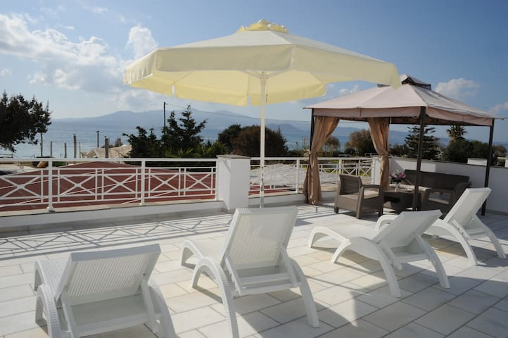 Ariadne suite with amazing view - Maragkas