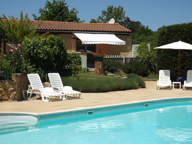 The Chestnuts a stone villa. - Saint-André-d'Allas - Villa