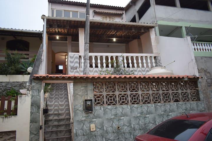 Casa em Figueira próx a mercado e praia
