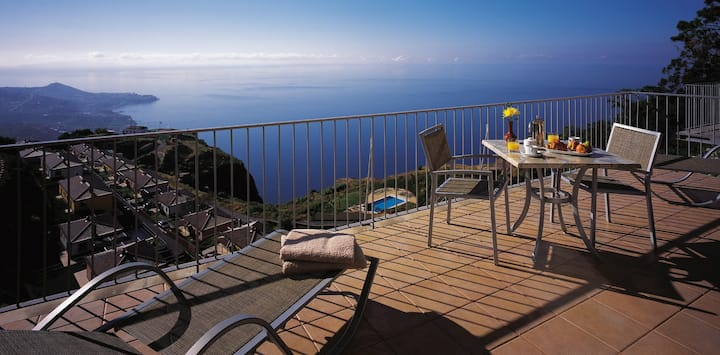 Two bedroom apartment with sea view at cabo girão