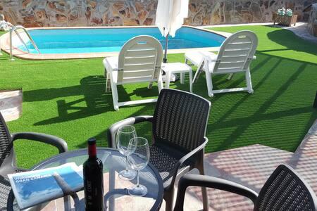 Villa Vista Dorada 134. Terraza y piscina propia