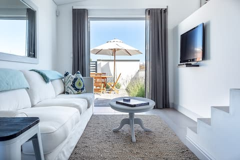 Pelicans' View - Comfortable, stylish and tranquil