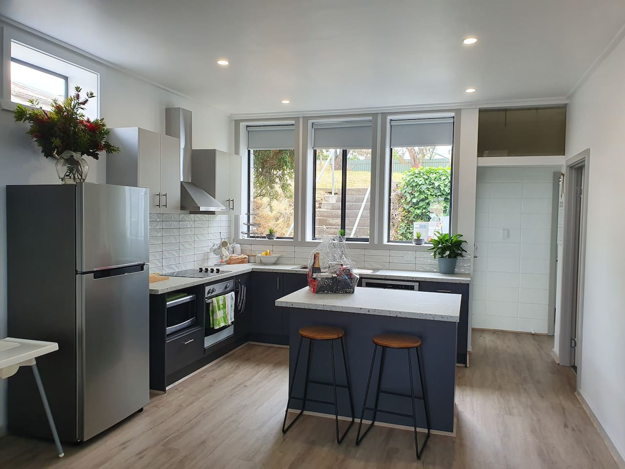 Plenty of room to move.A fully functional kitchen ,and lounge area